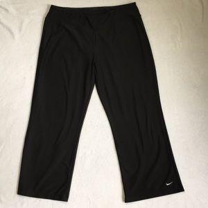 Nike Fit Dry Womens Activewear Capris Black L